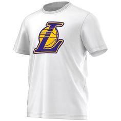 Los Angeles Lakers Fanwear T-Shirt    Das Los Angeles Lakers Fanwear T-Shirt ist optimal fürs Stadion und für Freizeitaktivitäten geeignet . Mit dem Los Angeles Lakers Fanwear T-Shirt aus 100% Baumwolle aus dem Hause adidas bist du der 12 MANN für DEIN Team!    Hersteller: adidas  Team: Los Angeles Lakers  Material: 100% Baumwolle...