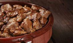 İşte lezzetli kavurma hazırlamanın püf noktaları... Almond, Meat, Food, Essen, Almond Joy, Meals, Yemek, Almonds, Eten