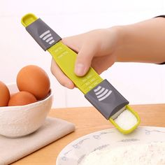 Cheap scale, Buy Quality stall Directly from China Suppliers:new Adjustable Kitchen Scale Cooking Quantitatively Measuring Cup Baking Eight Stalls With A Salt Coffee Spoon Big Kitchen, Coffee Spoon, Baking Tools, Measuring Spoons, Kitchen Utensils, All In One, Pink And Green, Cooking, Salt