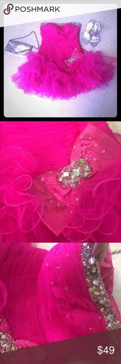 Size Small Adorable Pink dress 👗 Think Barbie! CUTE pink Dress, in like new condition. Size small. 💕💕👗👗 Dresses Prom