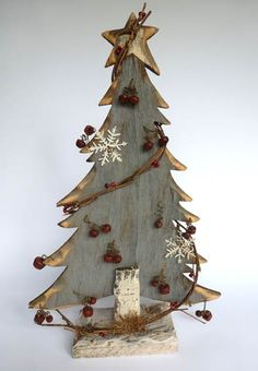 Rustic Christmas :: Love the deco's, but on something besides wood tree, maybe?!