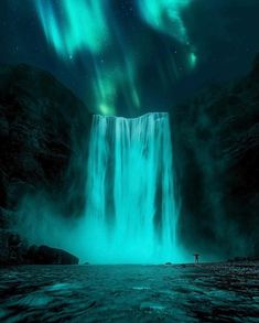 7 places where you can see the Northern Lights in because we know it's on your bucket list - What is the Aurora Borealis? Landscape Photography, Nature Photography, Night Photography, Landscape Photos, Photography Tips, Iceland Waterfalls, See The Northern Lights, Northern Lights Iceland, Les Cascades
