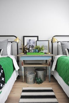 Bunk Room Design: This bright color palette of black, gray, and bright green, brings a fun environment for both boys and girls. Styled with a blend of classic and eclectic accessories. Room Planning, Decorating On A Budget, Home Look, Small Rooms, Interiores Design, Software, Home Decor, Bright Green, Classic