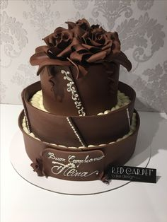 Chocolate Wedding Cake by RedCarpetCakeDesign www.Ve for the super chocolate ! Sugar Art, Wedding Cakes, Chocolate, Red Carpet, Desserts, Food, Design, Wedding Gown Cakes, Tailgate Desserts