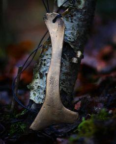 Witchy Bone Necklace  handpainted in antique von AncientHeartsShop