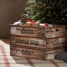 Find your kind of Christmas at the Next. Explore the X'mas shop & decorations for presents, clothing & more. Christmas Eve Crate, Country Christmas, Christmas Shopping, Christmas Home, Christmas Holidays, Xmas, Christmas Print, Christmas Ideas, Christmas Feeling