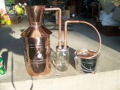 Copper Alcohol Moonshine Still The thumper design is interesting . Moonshine Still Plans, Wine Making Equipment, Whiskey Distillery, Homemade Wine, Hooch, Homebrewing, Liqueur, Mountain Dew, How To Make Beer