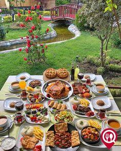 Yummy Snacks, Yummy Food, Appetizer Recipes, Dinner Recipes, Brunch, Food Goals, Aesthetic Food, Food Plating, Food Presentation