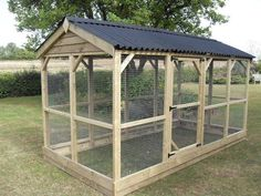 Large walk in chicken run - bird aviary - flight - animal enclosure Walk In Chicken Run, Chicken Coop Run, Chicken Pen, Backyard Chicken Coops, Building A Chicken Coop, Chickens Backyard, Chicken Cages, Chicken Coup, Chicken Tractors