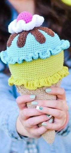 Amigurumi schemes in Russian. Crochet Food, Cute Crochet, Beautiful Crochet, Crochet Hats, Amigurumi Doll Pattern, Doll Patterns Free, Afghan Crochet Patterns, Stuffed Toys Patterns, Crochet Projects