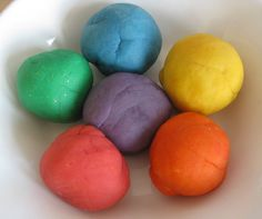 Home made playdough recipe & tips: Im going to add essential oil to this when my little one is sick