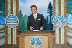 http://f.edgesuite.net/data/www.scientology.org/files/ptl/05-Scientology-Portland-David-Miscavige.jpg
