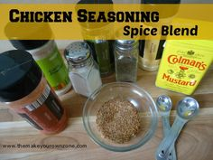 Recipe for chicken seasoning spice blend. Easy homemade chicken seasoning spice blend using spices from your pantry Homemade Dry Mixes, Homemade Spice Blends, Homemade Spices, Homemade Seasonings, Chicken Spices, Chicken Seasoning, Chicken Recipes, Herb Recipes, Spice Rub