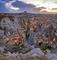 Kapadokya / Türkiye Cappadocia is truly a wonder of the nature. Places To Travel, Places To See, Travel Destinations, Wonderful Places, Beautiful Places, Beautiful Horses, Ancient City, Photos Voyages, Turkey Travel