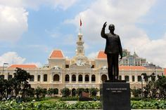Delve into history and culture by visiting French colonial architecture such as Notre Dame Basilica, explore Vietnam's turbulent past at the Reunification Palace and War Remnants Museum, Ben Thanh market, Saigon Opera House... The tour starts at 8am.