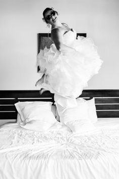 bride going crazy! une mariée qui a beaucoup de plaisir! Studio, Wedding Dresses, Jeans, Weddings, Bride Dresses, Bridal Gowns, Weeding Dresses, Studios, Wedding Dressses
