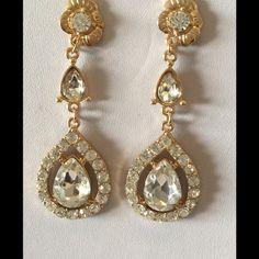 Dangling Teardrop Clear Crystal Earrings Dangling Teardrop Clear Crystal Earrings NYC Chic Accessories Jewelry Earrings