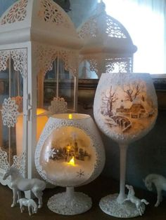 Decoupage Ideas, Christmas Home, Bottles, Home Decor, Christmas Diy, Noel, Homemade Home Decor, Interior Design, Home Interiors