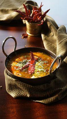 [ Recipe: Simple Everyday Dal ] Made with: masoor/red lentil, onion, tomato… Lentil Recipes, Vegetarian Recipes, Cooking Recipes, Curry Recipes, Spinach Recipes, Delicious Recipes, Comida India, Dal Recipe, Desi Food
