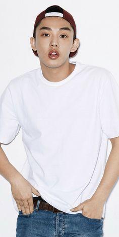 Yoo Ah In & Studio Concrete Spread Love Through Series Shirt Asian Actors, Korean Actors, My Man, A Good Man, Beautiful Models, Beautiful Women, Yoo Ah In, Secret Love, Spread Love