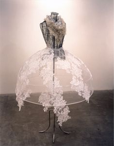 delicate floral patterns // Ruriko Murayama This is awesome. Paper Fashion, Fashion Art, Fashion Show, Fashion Design, Dress Fashion, Hoop Skirt, Sculptural Fashion, Mode Inspiration, Mannequins
