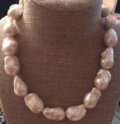 Morgana - collana di perle barocche di Lucedistrega su Etsy https://www.etsy.com/it/listing/478837861/morgana-collana-di-perle-barocche