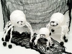 DIY Halloween : DIY Spider Mummy Family DIY Halloween Decor