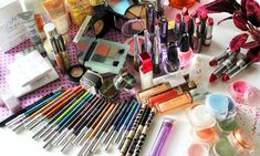 5 Tips on How to Create a Makeup Collection on a Budget