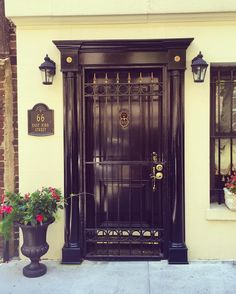 Nothing like a glossy black #door !