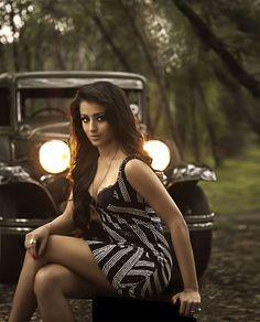 trisha krishnan hot stills in g.venkataram star calendar 2011(01)