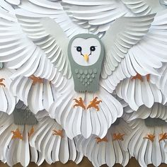 harry potter birthday My Owl Barn: Bedding, Bags and Tableware in Holiday Owls Motif by Vera Bradley Origami And Quilling, Quilled Paper Art, Paper Owls, Paper Quilling Designs, Harry Potter Birthday Cards, Harry Potter Christmas, Hedwig, Diy Halloween Decorations, Halloween Diy