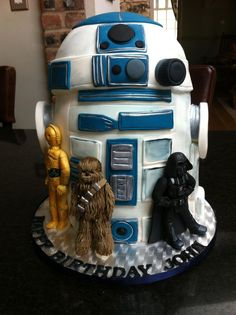 Star Wars cake. This would be SO cool!