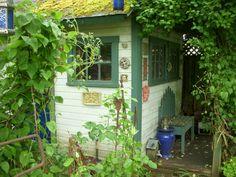 https://flic.kr/p/9Njk7U   2011 May Inviting Vines Garden Tour 087