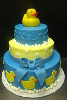 Cute Rubber Ducky Cake--from Cakes by Stephanie Ducky Baby Showers, Rubber Ducky Baby Shower, Baby Shower Duck, Baby Shower Cakes For Boys, Baby Shower Cupcakes, Baby Shower Parties, Baby Shower Gifts, Cakes By Stephanie, Rubber Ducky Cake