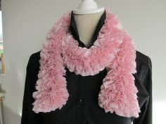 Ruffle Scarf Light Pink Knitted Acrylic by MinnieCreation on Etsy, €19.32