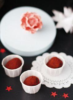 """Schokoladen-Rumkugeln aus """"Weihnachten mit Fräulein Klein"""""""