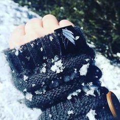 Love #Repost @ameliaboop with @repostapp ・・・ Estrenando mis guantes @stkmcompany en Ruidoso, muchas gracias @paulrichardss !rifan ❄️❄️ #ruidoso #2016 #stkmcompany