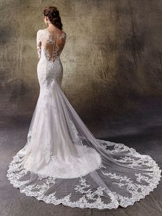 2017 Enzoani, Leah, Available at Uptown Bridal- www.uptownbrides.com