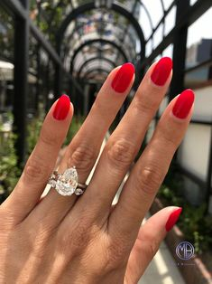 Diamond wedding engagement rings that truly are awesome! Wedding Rings Simple, Wedding Rings Vintage, Wedding Rings For Women, Diamond Wedding Rings, Diamond Rings, Diamond Engagement Rings, Wedding Jewelry, Halo Engagement, Bling Wedding