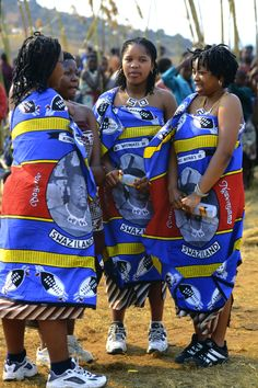 Zulu girls attend Umhlanga, the annual Reed Dance festival of Swaziland. African Tribes, African Countries, African Women, African Print Fashion, Ethnic Fashion, Afro, Tribes Of The World, What Is Today, African Traditions