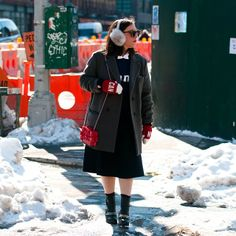 Randi Bergman from @Fashion Trends Canada supporting Team Canada with our Red Mittens #NYFW #HBCOlympics