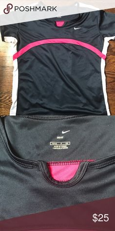 Nike Tennis fitted short sleeve Worn only a few times, in excellent condition. Nike Tops Tees - Short Sleeve