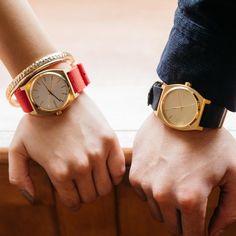 今日から12月スタート!!「今年のクリスマスなにを渡そう…」と考えている方もいるかと思います。お揃いのNIXONウォッチで今年の冬も楽しい時間を一緒に刻んでみては?? Items: The Time Teller  Officially the first day of December!We have plenty of unique winter line up, perfect for the holiday spirit.  #Nixon #NixonWomen #ニクソン #Nixonペア #クリスマス #December #ペアウォッチ #Love #カップル Watch Image, Wood Watch, Couple Goals, Watches, Leather, Wedding, Accessories, Fashion, Wooden Clock