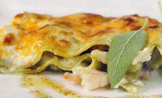 Receta de Lasaña de marisco en http://www.recetasbuenas.com/lasana-de-marisco/ Cocina esta original y diferente receta de lasaña de marisco de forma fácil y rápida. Una forma muy distinta de preparar un plato de marisco.  #recetas #Mariscos
