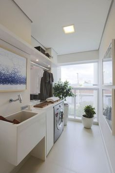 Small service area: Learn to decorate this little corner … – Room Decoration Small Laundry Rooms, Laundry In Bathroom, Landry Room, Laundry Room Organization, Laundry Room Design, Cozy House, Home Interior Design, Small Spaces, Sweet Home