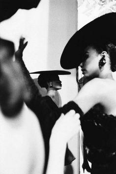 Mounia, défilé Yves Saint-Laurent, Paris 1987