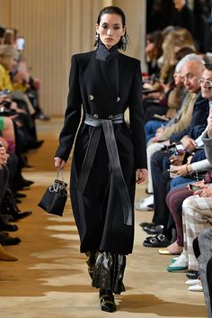 The Best Runway Looks From Karl Lagerfeld's Final Chanel Collection Satin Coat, Silk Coat, I Love Fashion, Autumn Fashion, Women's Fashion, Trench Coat Dress, Shades Of Light Blue, Milan Fashion Weeks, White Outfits
