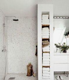 Bathroom Storage Ideas for Small Bathroom Design - Wanda Olesin Master Bathroom Plans, Bathroom Niche, New Bathroom Ideas, Diy Bathroom Remodel, Bathroom Renovations, Bathroom Storage, Towel Storage, Towel Racks, Bathroom Shelves