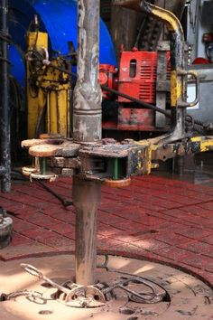 Water Well Drilling, Drilling Rig, Gas Work, Oil Rig Jobs, Bp Oil, Oilfield Life, Oil Platform, Gas Company, Oil Refinery