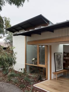 Brunswick House by Winwood McKenzie Architecture is a residential renovation project that transforms a home to represents the life and values of the client. Home Interior, Interior Architecture, Interior And Exterior, Brunswick House, Passive Design, Journal Du Design, Masonry Wall, Melbourne House, Architect House